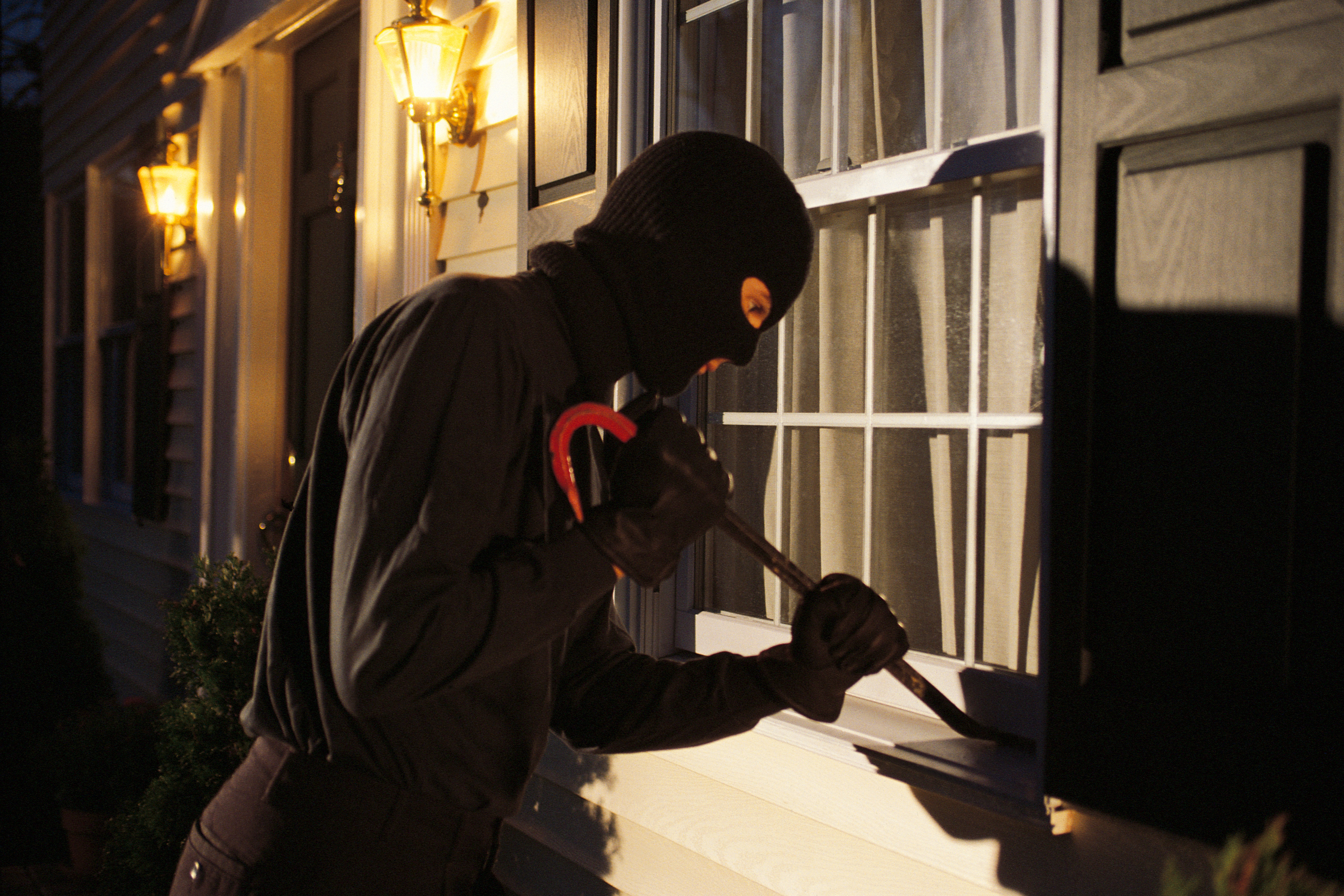 Criminals are changing tactics in an attempt to stay ahead of home and business owners, says police and private security companies.